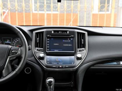 十四代丰田皇冠升级无线CarPlay系统带来哪些方便?